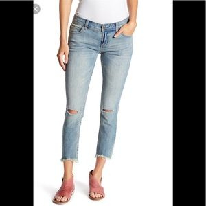 Free People destroyed skinny jeans 26